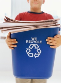 kid-recycling-paper